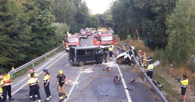 Choque entre furgoneta y camión deja ocho muertos en carretera de Brasil