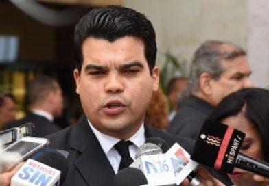 Wellington Arnaud pide sancionar a Hipólito Mejía tras no seguir los lineamientos del PRM y alabar contantemente las acciones del partido oficialista