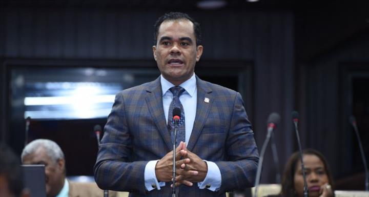 Diputado del PRM Elías Báez denuncia el procurador Jean Alain ...