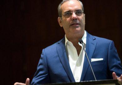 Candidato presidencial Luis Abinader y el PRM se han convertido en un gobierno paralelo por su asistencia social en la lucha contra el Covid-19